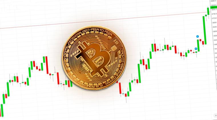 Курс Bitcoin подбирается к $9 000